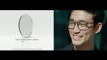 Essilor Ultimate Lens Package TV Spot, 'Eyezen Single Vision Lenses: Next GEN Offer' Song by Kygo - Thumbnail 6
