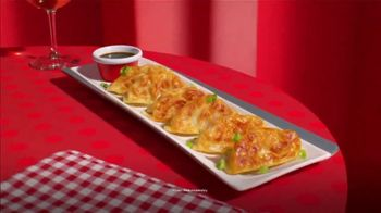 TGI Friday's $12 Endless Appetizers TV Spot, 'Endless Apps Are Back' - Thumbnail 3