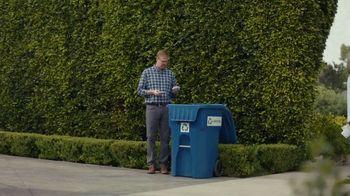 AT&T Internet TV Spot, 'Dead Zones: DIRECTV Bundle' - Thumbnail 1