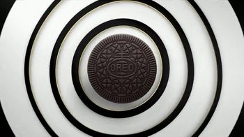 Oreo Thins TV Spot, 'Crisp Twist'