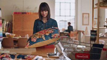 HomeGoods TV Spot, 'Go Finding: Decorating' - Thumbnail 7