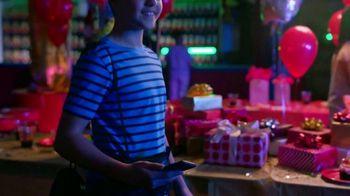 Alcatel OneTouch Avalon V TV Spot, 'Skate Party' Song by Ritvarsv - Thumbnail 6