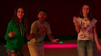 Alcatel OneTouch Avalon V TV Spot, 'Skate Party' Song by Ritvarsv - Thumbnail 8