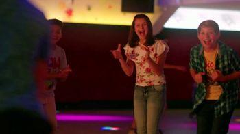 Alcatel OneTouch Avalon V TV Spot, 'Skate Party' Song by Ritvarsv - Thumbnail 9