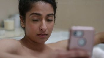 Hotels.com TV Spot, 'Romance' - Thumbnail 3