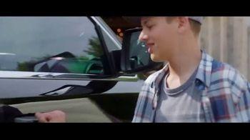 Ram Trucks Summer Clearance Event TV Spot, 'Win Over Fans' Song by Eric Church [T1] - Thumbnail 2