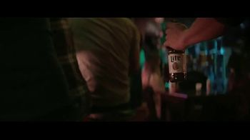 Miller Lite TV Spot, 'Caminar' [Spanish] - Thumbnail 3