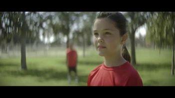 Amazon TV Spot, 'Mantenerse al día' canción de Freddie Scott [Spanish] - Thumbnail 6