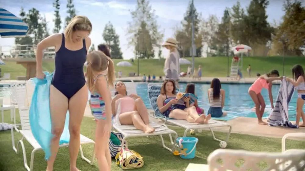 Otezla TV Spot, Little Things: Pool and Family Dinner - Screenshot 1