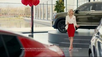 Kia 4th of July Sticker Sales Event TV Spot, 'Look for a Sticker and Save' [T2] - Thumbnail 2