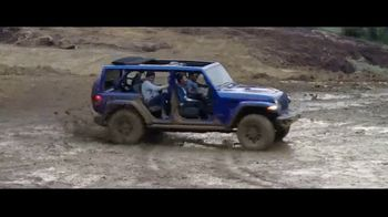 Jeep Fourth of July Sales Event TV Spot, 'To Be' [T1] - Thumbnail 8