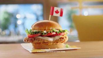 McDonald's Tomato Mozzarella Chicken Sandwich TV Spot, 'Pasaporte' [Spanish] - Thumbnail 1