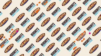 Dunkin' Donuts Hershey's Candy Flavors TV Spot, 'Un gustito dulce' [Spanish] - Thumbnail 2