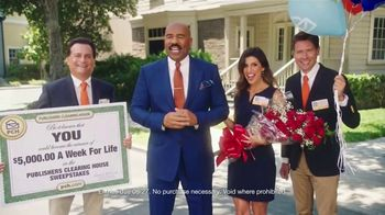 Publishers Clearing House TV Spot, '5,000 a Week for Life: Good News' Featuring Steve Harvey - Thumbnail 5