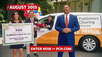 Publishers Clearing House TV Spot, '5,000 a Week for Life: Good News' Featuring Steve Harvey - Thumbnail 8
