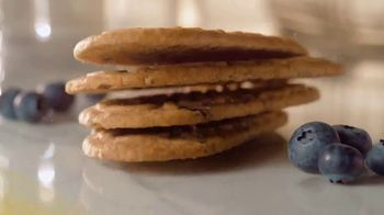 belVita Breakfast Biscuits TV Spot, 'Four Hours of Lasting Energy' - Thumbnail 9