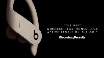 Beats Audio Powerbeats Pro TV Spot, 'For Active People on the Go' Featuring Emily Ratajkowski, Song by Halsey - Thumbnail 4