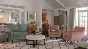 La-Z-Boy Moonlight Madness Sale TV Spot, 'Subtitles' Featuring Kristen Bell - Thumbnail 5