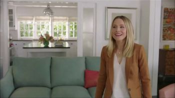 La-Z-Boy Moonlight Madness Sale TV Spot, 'Subtitles' Featuring Kristen Bell - Thumbnail 6