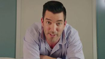 Home2 Suites by Hilton TV Spot, 'Sweet Stays' Featuring Jonathan Scott - Thumbnail 6