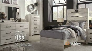 Ashley HomeStore 3 Day Savings Event TV Spot, 'Recliners, Sofas and Beds' Song by Midnight Riot - Thumbnail 8