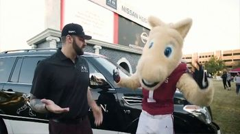 Nissan TV Spot, 'Heisman House: Homecoming' Featuring Mike Golic Jr. and Steve Owens [T1] - Thumbnail 6
