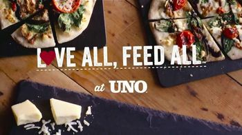 Uno Pizzeria & Grill Love All, Feed All Menu TV Spot, 'Vegetarian Menu Options' - Thumbnail 2