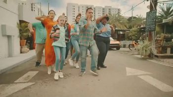 Boost Mobile TV Spot, 'Boost Mobile and Pitbull Give You More' Song by Pitbull - Thumbnail 5