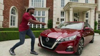 Nissan TV Spot, 'Heisman House: Remote Engine Start' Featuring Derrick Henry [T1] - Thumbnail 3