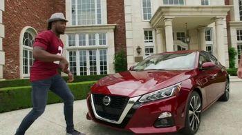 Nissan TV Spot, 'Heisman House: Remote Engine Start' Featuring Derrick Henry [T1] - Thumbnail 4