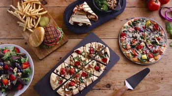 Uno Pizzeria & Grill Love, All Feed All Menu TV Spot, 'Under 600 Calories' - Thumbnail 10