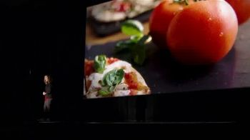 Uno Pizzeria & Grill Love, All Feed All Menu TV Spot, 'Under 600 Calories' - Thumbnail 2
