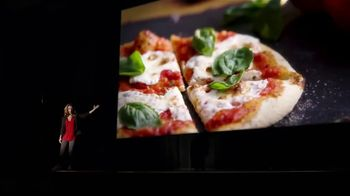 Uno Pizzeria & Grill Love, All Feed All Menu TV Spot, 'Under 600 Calories' - Thumbnail 3