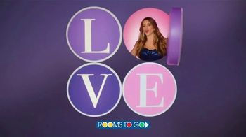 Rooms to Go TV Spot, 'Love at First Sight' Featuring Sofia Vergara - Thumbnail 10
