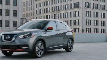 2019 Nissan Kicks TV Spot, 'Flex Your Tech' Song by Louis The Child, K.Flay [T1] - Thumbnail 9
