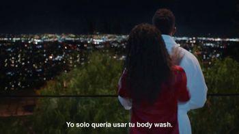 Old Spice Body Wash TV Spot, 'Los hombres también tienen piel' con Deon Cole [Spanish] - Thumbnail 4