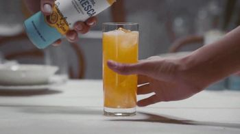 Corona Refresca TV Spot, 'House Party' - Thumbnail 2