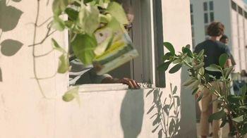 Leinenkugel's Summer Shandy TV Spot, 'Rooftop Party' - Thumbnail 1