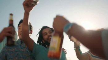 Leinenkugel's Summer Shandy TV Spot, 'Rooftop Party' - Thumbnail 8
