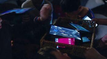 XFINITY xFi TV Spot, 'Shakedown' Featuring Amy Poehler - Thumbnail 4