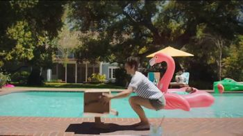 Amazon TV Spot, 'Summer Delivered' Song by Ronnie Dove - Thumbnail 3