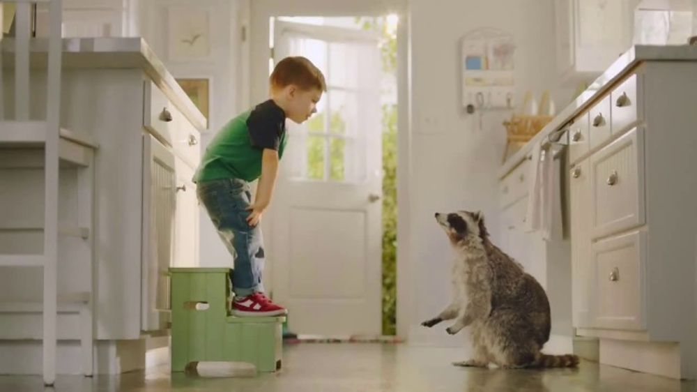 Sara Lee Classic White Bread TV Commercial, 'Soft and Fluffy'
