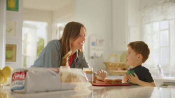 Sara Lee Classic White Bread TV Spot, 'Soft and Fluffy' - Thumbnail 3