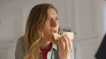 Sara Lee Classic White Bread TV Spot, 'Soft and Fluffy' - Thumbnail 4