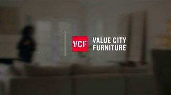 Value City Furniture Memorial Day Sale TV Spot, 'Great Moments: 60 Months Special Financing' - Thumbnail 1