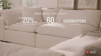 Value City Furniture Memorial Day Sale TV Spot, 'Great Moments: 60 Months Special Financing' - Thumbnail 9