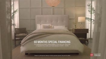 Value City Furniture Memorial Day Sale TV Spot, 'Great Moments: 60 Months Special Financing' - Thumbnail 6