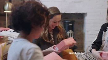 Birchbox TV Spot, 'Monthly Treat: $15' - Thumbnail 3