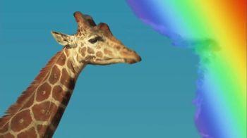 Skittles TV Spot, 'Ordeñando una jirafa' [Spanish] - Thumbnail 2