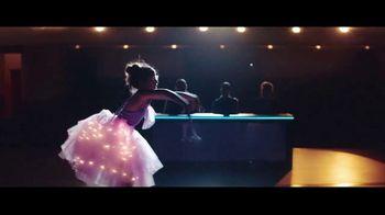 Chase Mobile App TV Spot, 'Bailarina' canción de Hipjoint [Spanish] - Thumbnail 7